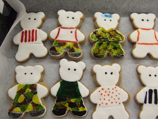 Decorated biscuits in the shape of bears